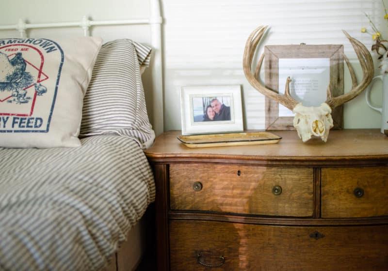 Antique Farmhouse Bedroom Tour   Red Land Cotton