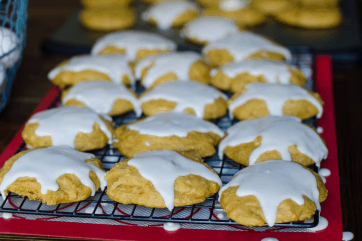Easy Old Fashioned Soft Pumpkin Cookies